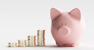 Tirelire cochon et argent